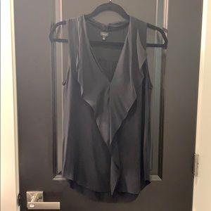 Aritzia, sleeveless ruffle blouse, black size s